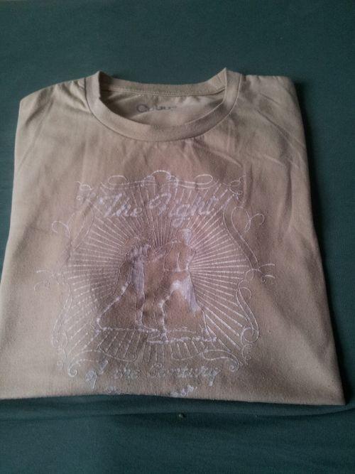 Hvordan brette t skjorte? Selvfiks