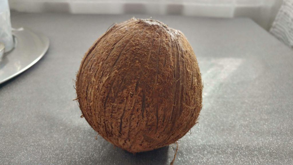 Hvordan åpne en kokosnøtt?